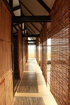 MOVING flat-pack school by Amadeo Bennetta and Dan LaRossa : a self-assembly educational facility for migrant and refugee communities on the border of Thailand and Burma.