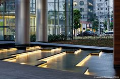 water feature - Leonardo Finotti - Infinity Tower int lobby