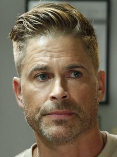 Rob Lowe There is no downside to turning by a spring wild hair pattern report. Undercut With Beard, Short Hair With Beard, Mens Hairstyles With Beard, Beard Fade, Undercut Hairstyles, Boy Hairstyles, Hair And Beard Styles, Short Hair Styles, High Fade Haircut
