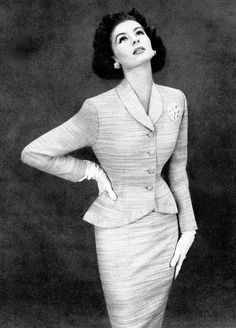 Suzy Parker in a Lilli Ann suit for Harper's Bazaar <3 May 1953
