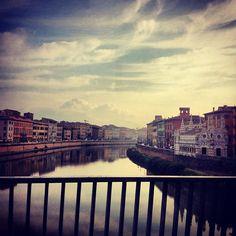 #Pisa Veduta da Ponte Solferino e Chiesa della Spina Photo by @annie_salmon