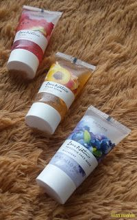 Oriflame Love Nature beauty kit: gel, mască și scrub cu arome delicioase mmdm, beauty, beauty blogger, masutameademachiaj, skin, skincare, hair, haircare, cosmetics, beauty review, oriflame, love nature, icy gel, smoothie mask, sugar scrub, blueberry, skin, apricot, watermelon, summer