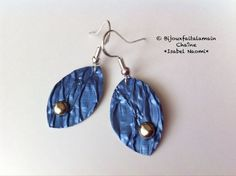 DIY Nespresso How to make embossed leaf shaped earrings. Hello everybody, This video shows you how to make embossed leaf-shaped earring from Nespresso coffee pods. Materials: 2 Nespresso coffee pods, we used the blue one Diy Jewelry Tutorials, Jewelry Crafts, Diy Nespresso, Coffee Branding, Coffee Pods, Bijoux Diy, Leaf Shapes, Earrings Handmade, Creations