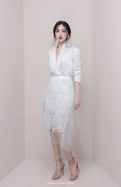 New Fashion Skirt Suit Black Women White Blouse and Lace Mesh Skirt Two Pieces OL Women Professional Wear Female Outfit 2019 Look Fashion, Korean Fashion, Street Fashion, Fashion Women, White Fashion, Slim Fit Dresses, Nice Dresses, Professional Outfits, Look Chic