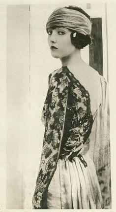 ☆ 1920's flapper Jazz age Silent era lace dress
