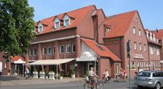 Hotel Restaurant Clemens-August Ascheberg This 3-star-superior hotel and restaurant is located in Ascheberg-Davensberg, in the green countryside of the Münsterland region. It offers a scenic terrace, garden and large free car park.