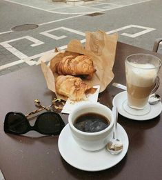 croissant and coffee breakfast Coffee Date, Coffee Break, Morning Coffee, Goog Morning, Coffee Mornings, Coffee Shop, Coffee Cups, Coffee Coffee, Sweet Whipped Cream