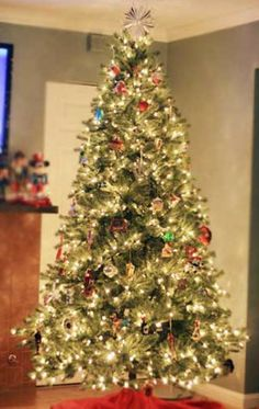 2013 prelit christmas trees, 2013 Wonderful Prelit Christmas Tree, Smiple Christmas tree lights ornaments in 2013