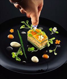 Party Food Serving - Appetizers - Food Presentation - Food Styling - Food Plating - Black Plates under orange, green, and white food T. Food Design, Modernist Cuisine, Modern Food, Culinary Arts, Creative Food, Food Presentation, Food Plating, Gourmet Recipes, Food Inspiration