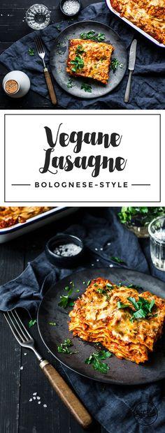 Die perfekte vegane Lasagne Bolognese. Mit würzigem Sojahack, fruchtiger Tomatenpassata und kräftiger Bechamelsauce. Dekadenz pur!