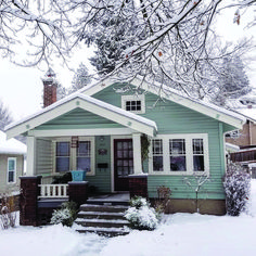 They Told You About Cottage Homes Exterior Bungalows Craftsman Style Is Dead Wrong 106 Craftsman Bungalow Exterior, Bungalow Homes, Craftsman Style Homes, House Paint Exterior, Craftsman Bungalows, Exterior House Colors, Cottage Homes, Exterior Design, Craftsman Cottage
