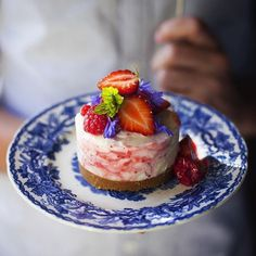 Follow of the day .... Summer strawberry cheese cake...a great food feed from @donalskehan great pics and recipes ...your about to help him hit 100.000 followers tonight v cool love #jamieoliver x x x