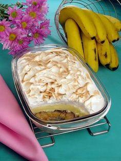 Tempo: 1h (+2h de geladeira) Rendimento: 12 Dificuldade: fácil Ingredientes: Doce de banana: 2 xícaras (chá) de açúcar 1 xícara (chá) de água 8 bananas-nan