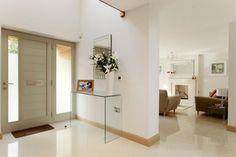 7 Inspirational Ways To Design Your Foyer | HowToXP.com