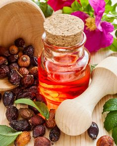 Hagebuttenöl gegen Pickelmale