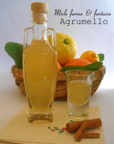 Honey liqueur with citrus and spices - Liquore al miele con agrumi e spezie Healthy Fruits, Healthy Drinks, Tea Cocktails, Beautiful Fruits, Romanian Food, Liqueur, Limoncello, Soul Food, Italian Recipes