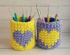 Free Crochet Bag, Crochet Bowl, Crochet Basket Pattern, Knit Basket, Love Crochet, Crochet Granny, Crochet Stitches, Crochet Patterns, Yarn Projects