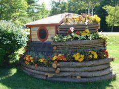 My one day hobbit writing studio in the back yard, via Tiny House Blog.