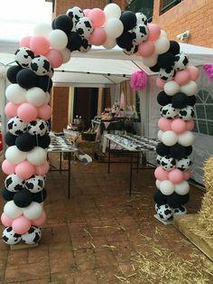 Birthday Party Girl Barnyard 52 Ideas in 2020 Rodeo Birthday Parties, 2nd Birthday Party Themes, Cowgirl Birthday, Birthday Ideas, Cowgirl Party, Birthday Banners, Birthday Invitations, Circus Birthday, Circus Party