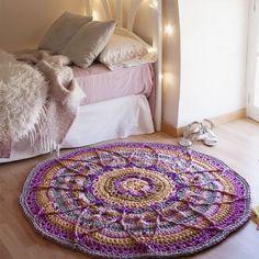 Alfombra hecha a crochet