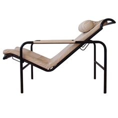 'Genni' Chaise Lounge Chair by Gabriele Mucchi for Zanotta | From a unique collection of antique and modern chaises longues at https://www.1stdibs.com/furniture/seating/chaises-longues/