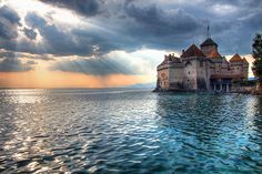 Switzerland is also home to magnificent castles like Chillon Castle, also known as Chateau de Chillon, located in Montreux, in the heart of the Swiss Riviera on the shores of Lake Geneva. Explore the 11th-century castle by taking a tour of the tower, courtyards, dungeons and rooms.