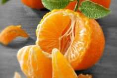 Best Fruits to Eat on Empty Stomach : Best Fruits to Eat on Empty Stomach, Best Fruits To Eat, Quince Fruit, Fruits Basket Manga, Pumpkin Seed Oil, Pyrus, Fruit Photography, Portrait Photography, Juicing For Health, Olive Fruit