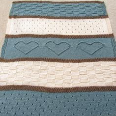 Knit Blanket Pattern, Knit Throw Pattern, Knit Heart Blanket - Knitting Patterns by Deborah O'Leary Knitted Throw Patterns, Easy Knitting Patterns, Knitted Baby Blankets, Knitted Blankets, Baby Blanket Size, Lion Brand Wool Ease, Knitted Heart, Red Heart Yarn, Baby Knitting