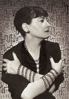 Doodling on the Faces of Famous Writers:  Dorothy Parker