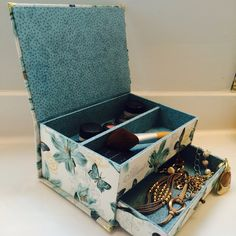 It's time to organize your makeup or your jewelry?! This is perfect for you!!!!  Organize and give more beauty on your space