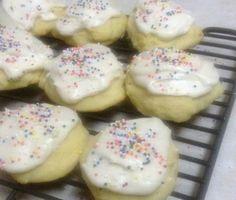 ricotta cookies -- like soft sugar cookies -- Italian Christmas cookies