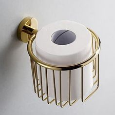 Brass toilet paper holder, yes yes YES! Gold Bad, Brass Toilet Paper Holder, Gold Bathroom Accessories, Modern Toilet, Best Bath, Bathroom Interior, Bathroom Inspiration, Small Bathroom, Luxury Bathrooms