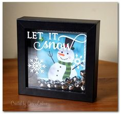 Holiday Crafts: Easy and Fun, DIY Gifts and Dcor Ideas for Christmas (Holidays & DIY Gifts) - My Cute Christmas Christmas Shadow Boxes, Christmas Art, Christmas Projects, Winter Christmas, All Things Christmas, Christmas Decorations, Christmas Ornaments, Christmas Box Frames, Diy Ornaments