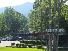Aunt Sues Country Corner - Where families can still be families! Pickens, SC