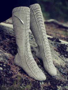 Novita wool socks, Womans lace knee socks made with Novita 7 Brothers yarn - Super knitting Wool Socks, Knitting Socks, Crochet Shoes, Knit Crochet, Lace Patterns, Knitting Patterns, Knee Socks, Leg Warmers, Stockings