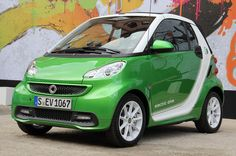 2015 Mercedes Smart ForTwo Electric Release Date and Price Most Fuel Efficient Cars, Smart Car Body Kits, Mercedes Smart, First Drive, Smart Fortwo, Small Cars, Big Love, Cars And Motorcycles, Luxury Cars