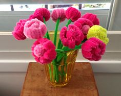 pipe cleaner tulips. Pipe Cleaner Crafts. explanations and tutorials are available on the site