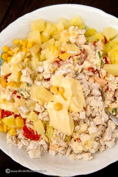 SALATA DE PUI CU ANANAS SI PORUMB | Diva in bucatarie Cobb Salad, Cooking Recipes, Chicken, Home, Diet, Chef Recipes, Recipies, Cubs