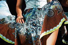 me gustaria poder hacerme mis propios vestidos y faldas con la maquina de coser de #ConcursoSingerChile