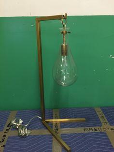 #639 Lightbulb lamp