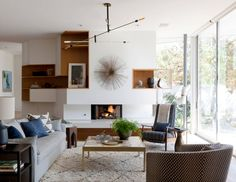 20 Perfect Mid-Century Modern Accent Chairs in the Living Room