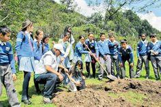 Aulas Ambientales - Colombia. Funcionan en la mayoría de las capitales del país. Niños y jóvenes participan en caminatas, jornadas ecológicas y talleres ambientales. / http://ambientebogota.gov.co/aulas-ambientales