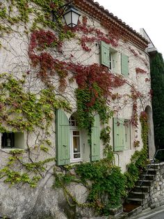 Provence - Love the green of the shutters.