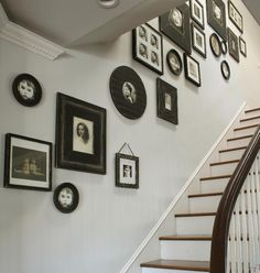 Inventive Staircase Design Tips for the Home – Voyage Afield Displaying Family Pictures, Family Pictures On Wall, Picture Frame Display, Picture Frames, Picture Wall, Stairway Pictures, Home Craft Decor, Traditional Staircase, Linen Shop
