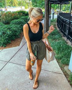 casual summer outfits - Casual Spring Outfits for Women - Looks Style, Looks Cool, Short Outfits, Cute Outfits, Shorts Outfits Women, Cute Vacation Outfits, Summer Shorts Outfits, Travel Outfits, Summer Shorts Women