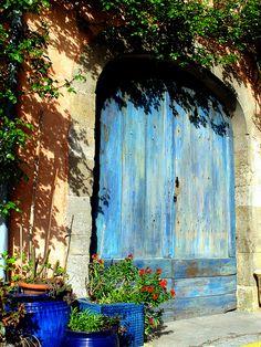 la vieille porte somewhere in france