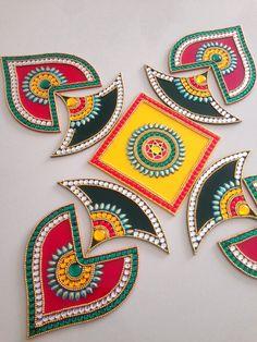 Acrylic Rangoli # 13 # Shren i Creations # Preschool Letter Crafts, Letter A Crafts, Diwali Diy, Diwali Craft, Diwali Decorations At Home, Festival Decorations, Rangoli Drawing, Acrylic Rangoli, Hanging Paintings