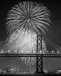 Fireworks over Bay Bridge at new years San Francisco Bay, George Washington Bridge, 50 States, Beautiful Artwork, Bay Area, Fireworks, Cali, America, Adventure