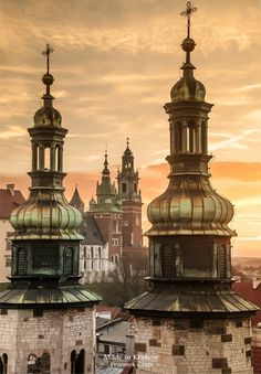 Wawel castle Kraków - viewed through the steeples of Saint Andrew's Church on Grodzka Street Travel Sights, Watercolor Architecture, Poland Travel, Krakow Poland, Historical Architecture, Kirchen, Warsaw, European Travel, Places To See