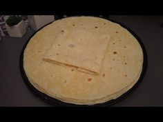 Pain tortilla🌮🌮 انجح وصفة لخبز التاكوس - YouTube Tortilla, Pain, Sandwiches, Tacos, Bread, Youtube, Food, Pastry Recipe, Lebanese Cuisine